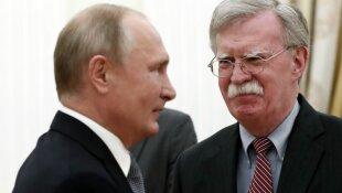 Vladimiras Putinas, Johnas Boltonas
