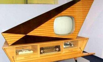 """Išskirtinio dizaino """"Kuba Komet"""" televizorius (gamintas nuo 1957 metų) į akis krito labiau nei bet kuris kitas televizorius ir buvo daugiau dizaino elementas, nei elektronikos įrenginys (The Invisible Agent nuotr.)"""