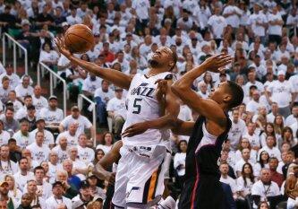 """R. Gobert\'o dvigubas dublis padėjo """"Jazz"""" krepšininkams išlyginti serijos su """"Clippers"""" rezultatą"""
