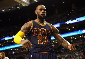 M. Jordano rekordą pagerinęs L. Jamesas septintą kartą iš eilės žengė į NBA superfinalą