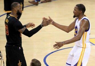 """Neišvengiama realybė: """"Warriors"""" ir """"Cavaliers"""" susitiks ketvirtame NBA finale iš eilės"""