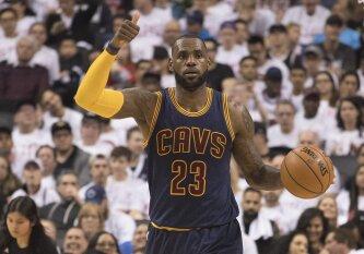 NBA paskelbė lygos geriausių žaidėjų penketą