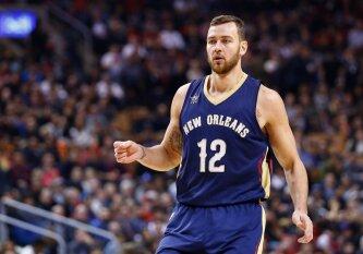 """""""Iš viršaus"""": slidūs D. Motiejūno šansai grįžti į NBA lygą"""