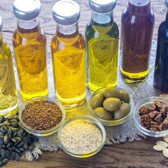 Gidas po aliejaus lentynas: kuris naudingiausias sveikatai ir grožiui