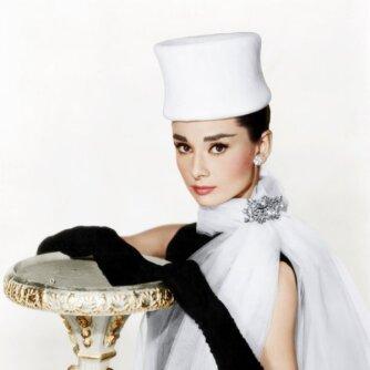 Audrey Hepburn – stiliaus ikona, patyrusi badą ir 5 persileidimus