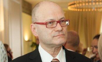 Cornelius Hellis. Ilga kelionė į J. Bobrowskio Lietuvą