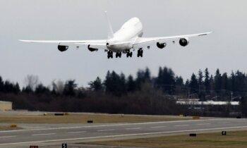 Ar lėktuvas galėtų tęsti skrydį, jei sugestų trys iš keturių variklių?