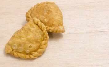 Traškūs pyragėliai su bulvėmis