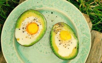 Avokaduose kepti kiaušiniai