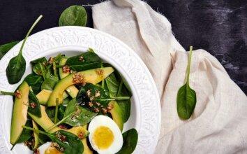 Avokadų ir špinatų salotos
