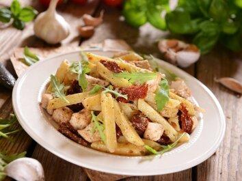 Makaronai su vištiena itališkai