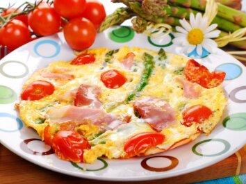 Omletas su šparagais