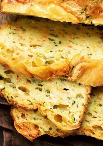Cukinijų ir sūrio pyragas