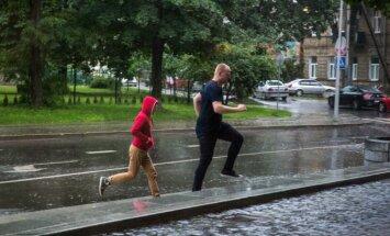 Verslininkai išparduoda laisvalaikio inventorių: vasaros nebuvo