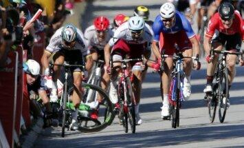 Tour de France lenktynėse – skausmingas M. Cavendisho griuvimas