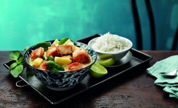 Tailandietiška vištiena su ananasais