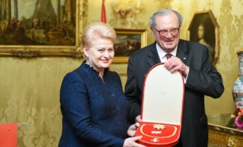 Dalia Grybauskaitė, Matthew Festingas