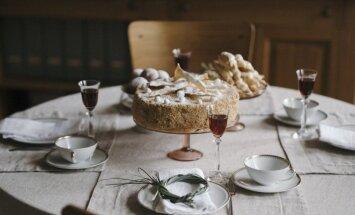 Smetoniškas vaišių stalas