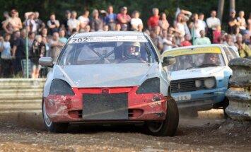 Automobilių kroso varžybos Šakiuose