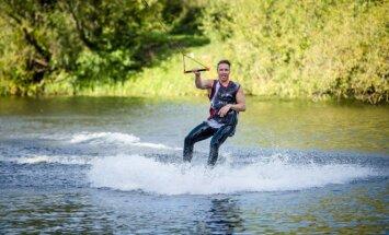 Vandenlenčių sportas (Wake Inn nuotr.)