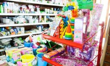 Lentynos lūžta nuo gamintojų prekių, tačiau ar vartotojui jų reikia?