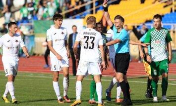 Sergejus Slyva rodo raudoną kortelę