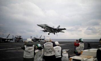 Lėktuvnešis Carl Vinson per karines pratybas kovą