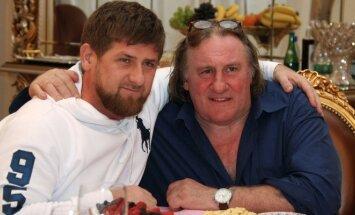 Ramzanas Kadyrovas Gerardą Depardieu priėmė su treningais