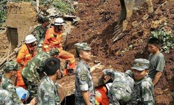 Kinijoje po nuošliauža žuvo 10 žmonių