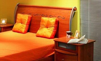 Miegamasis kambarys: oranžinės spalvos oazė