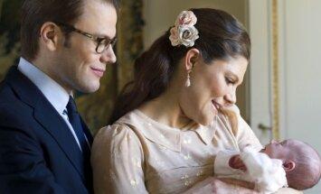 Princesė Victoria, jos vyras princas Danielis su dukrele Estelle