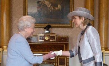 Elizabeth II ir Asta Skaisgirytė