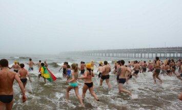 Masinės sveikuolių maudynės Baltijos jūroje