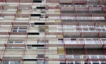 Kai gyventojas renovuoja savo namus, jis dar turi įrodyti, kad renovacija veltui nenuėjo ir pavyko sutaupyti 20 procentų šilumos energijos. Tokiu atveju valstybė kompensuos 30 proc. išlaidų