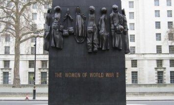 Johnas W. Millsas Moterims - Antrojo pasaulinio karo dalyvėms