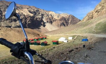Lino kelionė motociklu Himalajuose