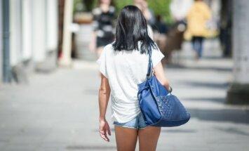 Sostinės veidai: net ir atvėsus vilnietės neišsižada trumpų šortų