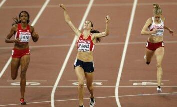 Zuzana Hejnova finišuoja