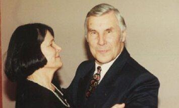Ilgametis Žuvinto rezervato vadovas Vytautas Nedzinskas su žmona Albina