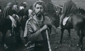 Kadras iš filmo Herkus Mantas