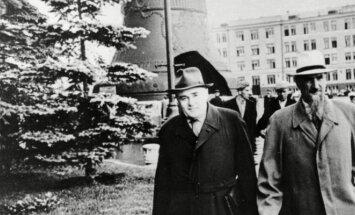 Sergejus Koroliovas ir Igoris Kurchatovas