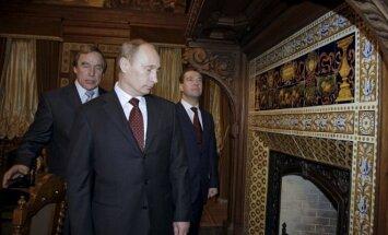 Sergejus Rolduginas, Vladimiras Putinas, Dmitrijus Medvedevas