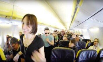 Šokiai lėktuve