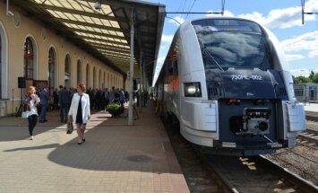 Į Kauno oro uostą kviečia keliauti traukiniu