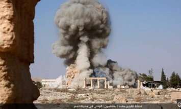 """""""Islamo valstybė"""" paskelbė Palmyros šventyklos susprogdinimo nuotraukas"""
