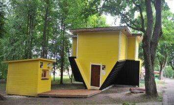 Druskininkuose pastatytas apverstas namas