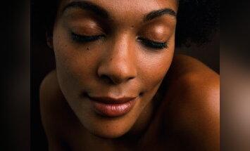 Afrika, juodaodė mergina