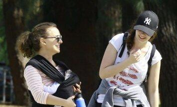 Natalie Portman su dukrele Amalia