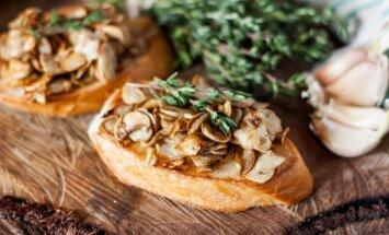 Nuostabūs karšti sumuštiniai su pievagrybiais