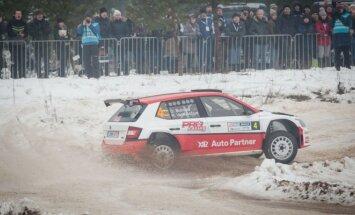 Halls Winter Rally 2017 greičiausiai važiavo D. Butvilas